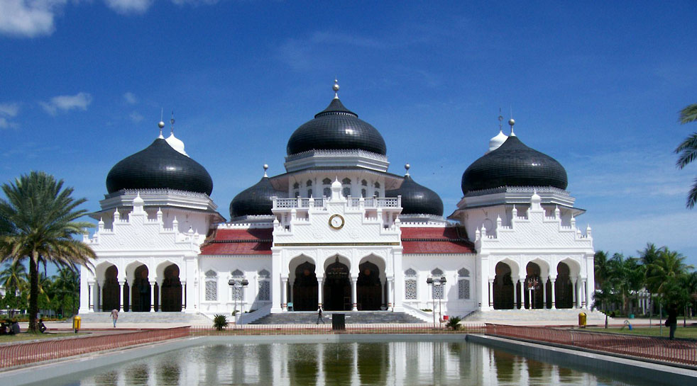 Beautiful Baiturrahman Grand Mosque Indonesia