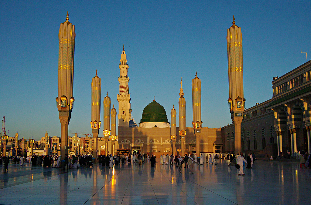 World's second largest Mosque Masjid-e-Nabvi